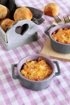 Φαρφάλες με ζαμπόν, τυριά και κρέμα γιαουρτιού The One, Ham, Macaroni And Cheese, Food And Drink, Pasta, Ethnic Recipes, Mac And Cheese, Hams, Pasta Recipes