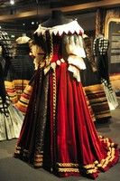 Dress, 17th century Historical Costume, Historical Clothing, Musketeer Costume, Fashion Wear, Fashion Looks, Mode Renaissance, 17th Century Fashion, Retro Mode, Period Outfit