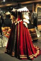 Dress, 17th century Historical Costume, Historical Clothing, Fashion Wear, Fashion Looks, Mode Renaissance, 17th Century Fashion, Retro Mode, Period Outfit, Fantasy Costumes