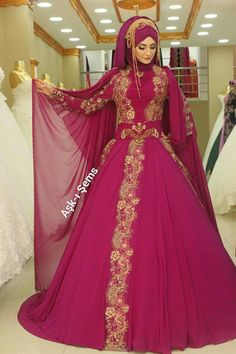 Ball Gowns, Victorian, Formal Dresses, Green, Fashion, Ball Gown Dresses, Moda, Formal Gowns, La Mode