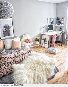 Teen Girl Bedrooms - Delightful and charming teen room decor tricks. For more brilliant teen room decor designs simply check out the link to read the post example 8037001444 today Dream Rooms, Dream Bedroom, Girls Bedroom, Master Bedroom, Bedroom Ideas For Teen Girls Tumblr, Pretty Bedroom, Bedroom Office, Warm Bedroom, Tween Girls