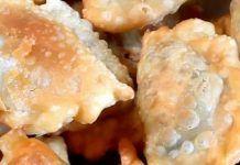 Ετοιμάστε τις ρακές – Χορτοπιτάκια από Κρήτη Dairy, Cheese, Food, Essen, Meals, Yemek, Eten