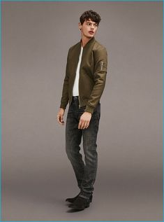 Going casual, Jacob Morton dons a bomber jacket with a tee and distressed denim jeans from Frame Denim. Black Boots Outfit, Chelsea Boots Outfit, Olives, Black Suede Chelsea Boots, Distressed Denim Jeans, Boating Outfit, Green Jacket, Frame Denim, Men Looks