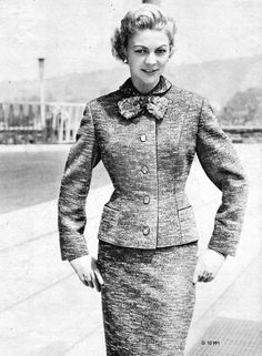 """Notice how on the above example there is a seam running down from the middle of the shoulder, passing over the bust down to the hem. This is called a """"panel jacket"""". It helps make the coat more form fitting in a way that makes a more curvaceous figure look slimmer. The are, however, numerous ways to dart a woman's coat depending on the characteristics of the figure:"""