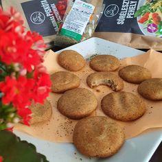 Hajdinás sós keksz 15db Paleo, Cookies, Desserts, Food, Crack Crackers, Tailgate Desserts, Deserts, Biscuits, Essen