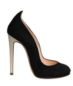 Chloe Gosselin Fall 2014. The perfect tuxedo pump.
