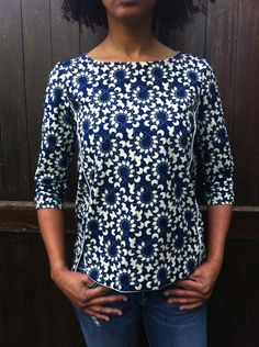 Wax print Cezembre blouse by La WaXeuse Sewing Blouses, Sewing Shirts, Cotton Blouses, African Blouses, Diy Vetement, Ankara Tops, Creation Couture, Couture Sewing, Couture Tops
