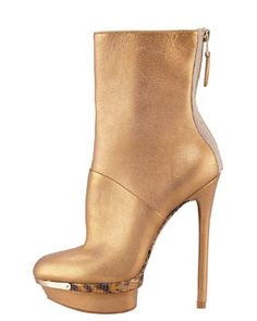 B Brian Atwood Platform Stiletto Boot - Bergdorf Goodman A sleek silhouette and lustrous nubuck leather construction—detailed with exotic snake embossing—define this B Brian Atwood boot with high-fashion distinction. Dream Shoes, Crazy Shoes, Me Too Shoes, Women's Shoes, Platform Stilettos, Platform Boots, Look Fashion, Fashion Shoes, High Fashion