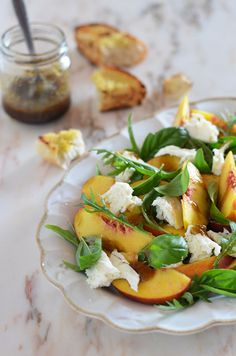 peach, mozzarella and basil salad with balsamic vinaigrette, added jalepenos and candied walnuts I Love Food, Good Food, Yummy Food, Vegetarian Recipes, Cooking Recipes, Healthy Recipes, Comida Kosher, Clean Eating, Healthy Eating