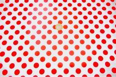 Popelín flamenco con estampado de lunares, es un tejido con cuerpo y sostenido. Fondo blanco y lunares rojos. Ideal para disfraces y confección de trajes de flamenca, vestidos de sevillana, faldas y todo tipo de complementos y aplicaciones de moda flamenca para la feria de Abril y vestidos para la fiesta del Rocío.#popelín #flamenco #carnaval #estampado #lunares #blanco #rojo #confección #faldas #complementos #disfraces #tela #telas #tejido #tejidos #textil #telasseñora #telasniños #comprar