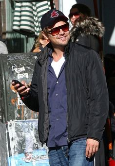 Leo DiCaprio ... Go Cougs.  ^..^