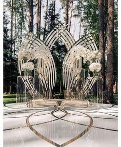 "2,099 Likes, 83 Comments - Munaluchi Bride (@munaluchibride) on Instagram: ""Backdrop goals ✨ #munaluchibride #weddingceremony | #Repost @ijorere ・・・ This AMAZing architectural…"""
