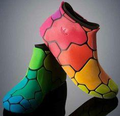 10479228_308098952685662_6743344973586576986_n.jpg (467×450)    77th & York 3D printed booties.......from Stratasys