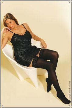 Paire de bas opaque femme grande taille noir 60 deniers, du glamour sur vos jambes rondes, pour le plaisir des yeux.