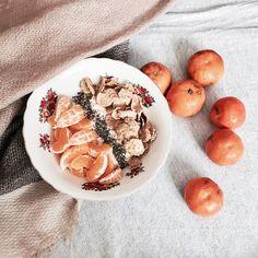 Olalyz166: Owsianka z mandarynkami, nasionami chia i płatkami...