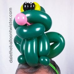 Frog on a hairband. daletheballoontwister.com Inspired by Juan Gonzalez and Jeff Hayes.
