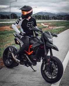 Motorcross Bike, Motocross Gear, Cafe Racer Motorcycle, Motorcycle Garage, Cafe Racing, Motocross Photography, Photo Pour Instagram, Ducati Hypermotard, Custom Sport Bikes