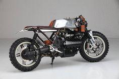 "RocketGarage Cafe Racer: Augh ""Suscettibile"" The Different Kappa Ducati Hypermotard, Ducati Scrambler, Scrambler Motorcycle, Bmw Motorcycles, Yamaha, Moto Cafe, Bmw Cafe Racer, Steam Punk, Harley Davidson Scrambler"