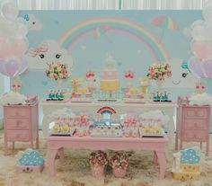 Chuva de Amor foi o tema desta festa lindíssima!❤ Credito: @dayane_vitor ecoração @dayane_vitor Fotografia @luminafotoefilmes Balões a gás @grazzybaloes Papelaria personalizada @sedadepapel #Festainfantil #FestaChuvadeAmor #ChuvadeAmor #Chuva #deAmor #FestaMenina Care Bear Birthday, Baby Birthday, 1st Birthday Parties, Baby Penguins, Ideas Para Fiestas, Rainbow Baby, Happy Birthday Cards, Baby Shower Cakes, Birthday Decorations