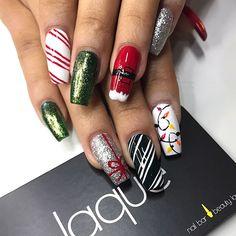 The Perfect nails to accent your outfit for the Holidays. Gel Nail Art, Gel Nails, Manicure, Nail Polish, Xmas Nails, Holiday Nails, Christmas Nails, Basic Nails, Simple Nails