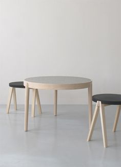 table + stools .