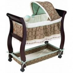 Summer Infant Carter's Classic Comfort Wood Bassinet, Brown/Blue (Discontinued by Manufacturer) Wood Bassinet, Best Bassinet, Bassinet Ideas, Toddler Gifts, Toddler Bed, Toddler Stuff, Kid Stuff, Best Crib Mattress, Best Baby Cribs