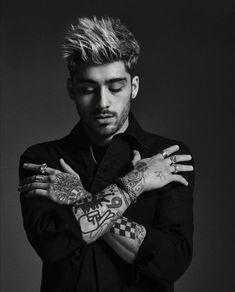 Zayn Malik Tumblr, Style Zayn Malik, Zayn Malik Tattoos, Zayn Malik Pics, Zayn Malik Shirtless, One Direction Zayn Malik, Zayn Malik Photoshoot, Zayn Malik Hairstyle, Hairstyle Fade