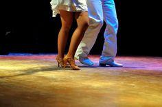 Aulas de Samba de Gafieira para idosos no Sesc Bauru