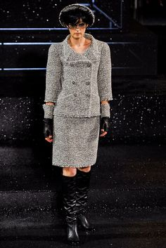 Chanel - Fall 2011 Couture - Look 2 of 70