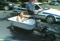 "Cop Pulls Over Man Driving Bathtub  ""To the bathmobile!"" Lmao"