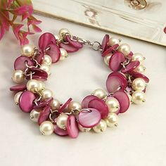 Handmade Fashion Shell Beads Bracelet with Acrylic Pearl Beads. Camellia. Very lovely!!!