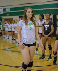 We've got some great shots of the Jackrabbits and Rams' girls' volleyball match taken by Art O'Neil. Girls Volleyball Shorts, Female Volleyball Players, Tennis Players Female, Women Volleyball, Volleyball Setter, Athletic Models, Athletic Girls, Volleyball Pictures, Cheer Pictures