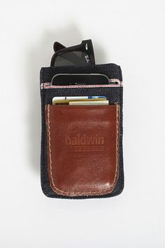 Baldwin launches this multi functional wallet. Made in the U.S.A. from red-line 14 oz Dry Kurabo Japan selvedge denim, this Baldwin wallet will hold everything that you usually stuff into your five pockets (including your pill case).