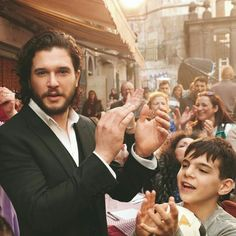 Jon Snow, Kit And Emilia, Game Of Thrones Pictures, Hbo Tv Series, Kit Rose, Spanish Men, Kit Harrington, King In The North, Fantasy Men
