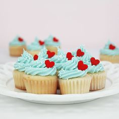 Made from a very nice quality medium-weight greaseproof paper. Features our Layer Cake Shop logo on the bottom. 50 Cups (approximately) Piggy Cupcakes, Heart Cupcakes, Mini Cupcakes, Cupcake Crafts, Paper Cupcake, Cupcake Party, Cupcake Photography, Dog Bakery, Baking Cups