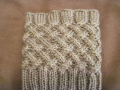 Ravelry: Cabled Boot Topper pattern by Anna Templer-knit in round (yea!) on dk or lightly worsted weight yarn. Loom Knitting, Knitting Socks, Knitting Stitches, Knitting Patterns Free, Knit Patterns, Free Knitting, Free Pattern, Knitted Boot Cuffs, Crochet Boots
