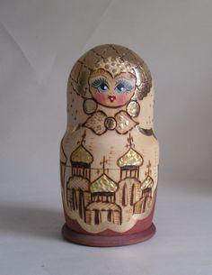 Set of 5 Vintage Wooden & Gilded Russian Dolls. Painted Faces   Jouets et jeux, Poupées, vêtements, access., Poupées russes   eBay!