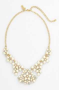Absolutely smitten with the floral pattern of pearls and sparkly crystals. Adding this Kate Spade statement necklace to the jewelry box!