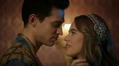 Muhteşem Yüzyıl Kösem'den bir kare. Anastasia ve Sultan Ahmet. Bu aşkın Osmanlıya kara bir kraliçe yaratacağını kim bilebilirdi./ A pic from Magnificent Century Kosem; Anastasia and Sultan Ahmet. Who can knew this love crrate a dark queen for Ottoman?