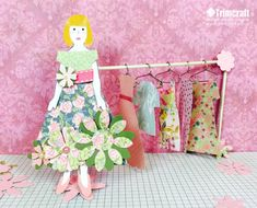 Let your children become mini fashion designers with our paper doll tutorial! We loved making outfits with the free printable templates at Trimcraft HQ so we know you will too…