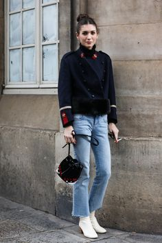 Street looks à la Fashion Week automne-hiver 2016-2017 de Paris | Vogue