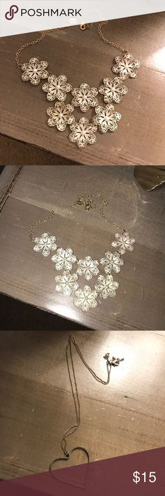 FLOWER AND HEART NECKLACE BUNDLE great condition!! Jewelry Necklaces