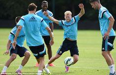 Mourinho puts Chelsea squad through their paces