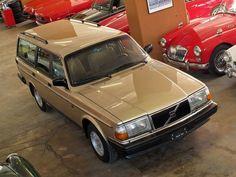 Gold Volvo estate.....