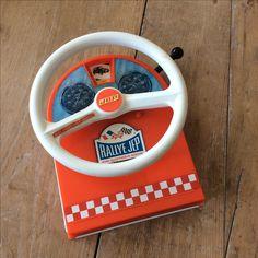 Volant Rallye Jep, le jeu qu'il fallait avoir en voiture pour occuper les bambins sur la route des vacances, dans les années 60. Retrouvez toutes mes ventes sur Instagram    : @vintage_charly