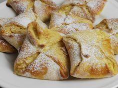 Apfeltaschen mit Sauerrahm, ein fruchtiges Rezept aus Germteig, Hefeteig.