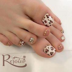 Pedicure Nail Art, Nail Designs Toenails, Pedicure Tips, Pedicure Designs, Toe Nail Designs, Nails Design, Pretty Toe Nails, Cute Toe Nails, Glitter Toe Nails