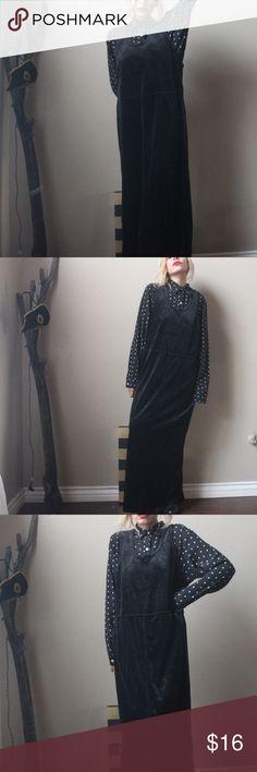 "Vintage Black Long dress from Kelly Scott 100%polyester size medium  measurements are: length 52"" Pit to pit 22"" Karen Scott Dresses High Low"