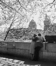 Paolo Streito (@Paolo1264) / Twitter Old Photography, Dutch Artists, Photojournalism, Location History, Vintage Photos, Paris, Black And White, Couple Photos, City