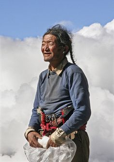 Top Of The World, People Around The World, Real People, Around The Worlds, Robert Doisneau, Le Tibet, Tibetan Buddhism, Working People, World Cultures